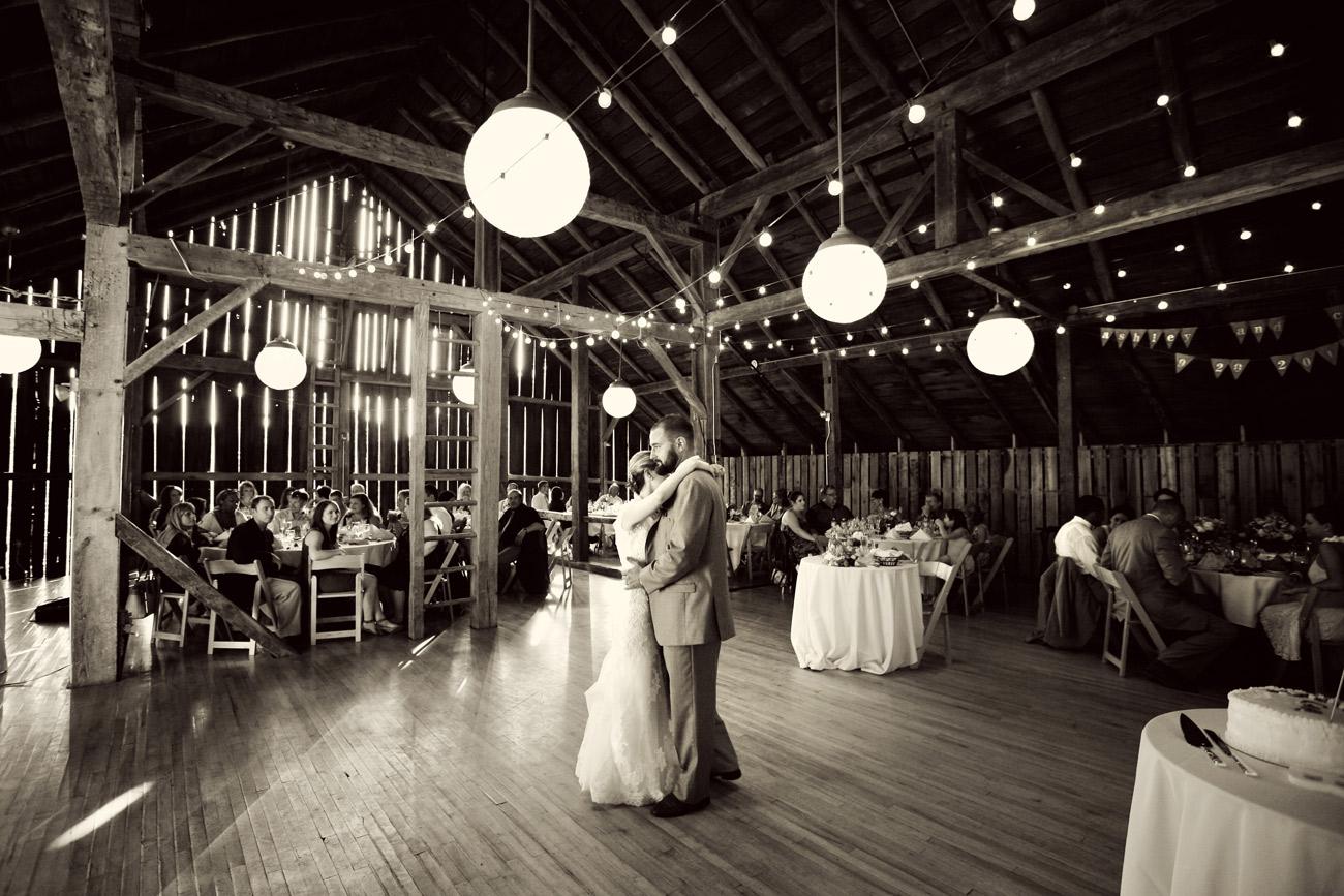 Barn_at_Fallingwater_laurel_highlands_wedding_photographer