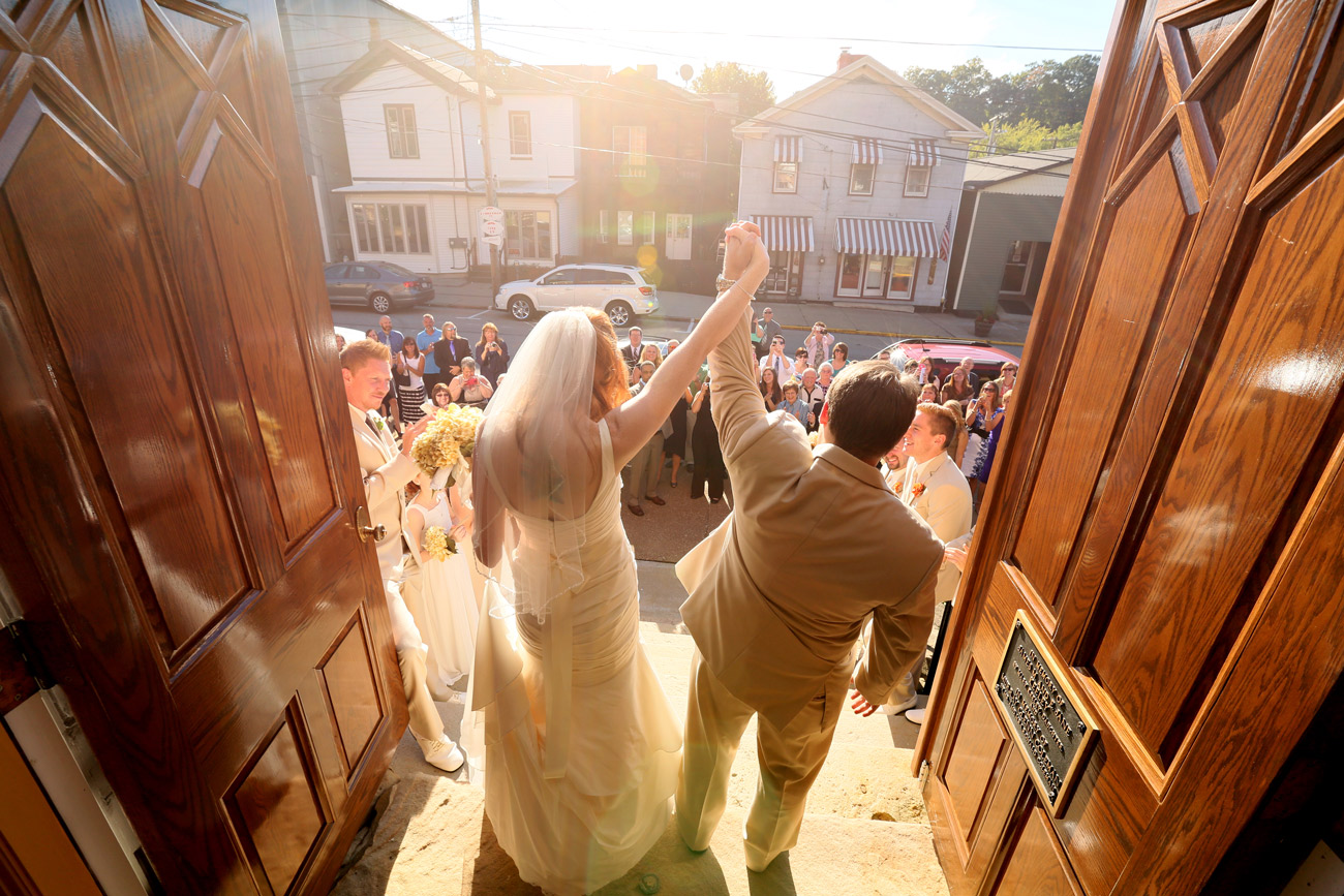 bride_and_groom_exiting_church