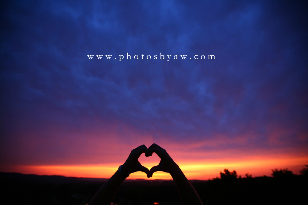 heart_hands_sunset