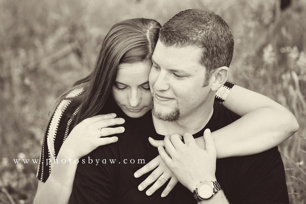 rustic_black_and_white_engagement_photos