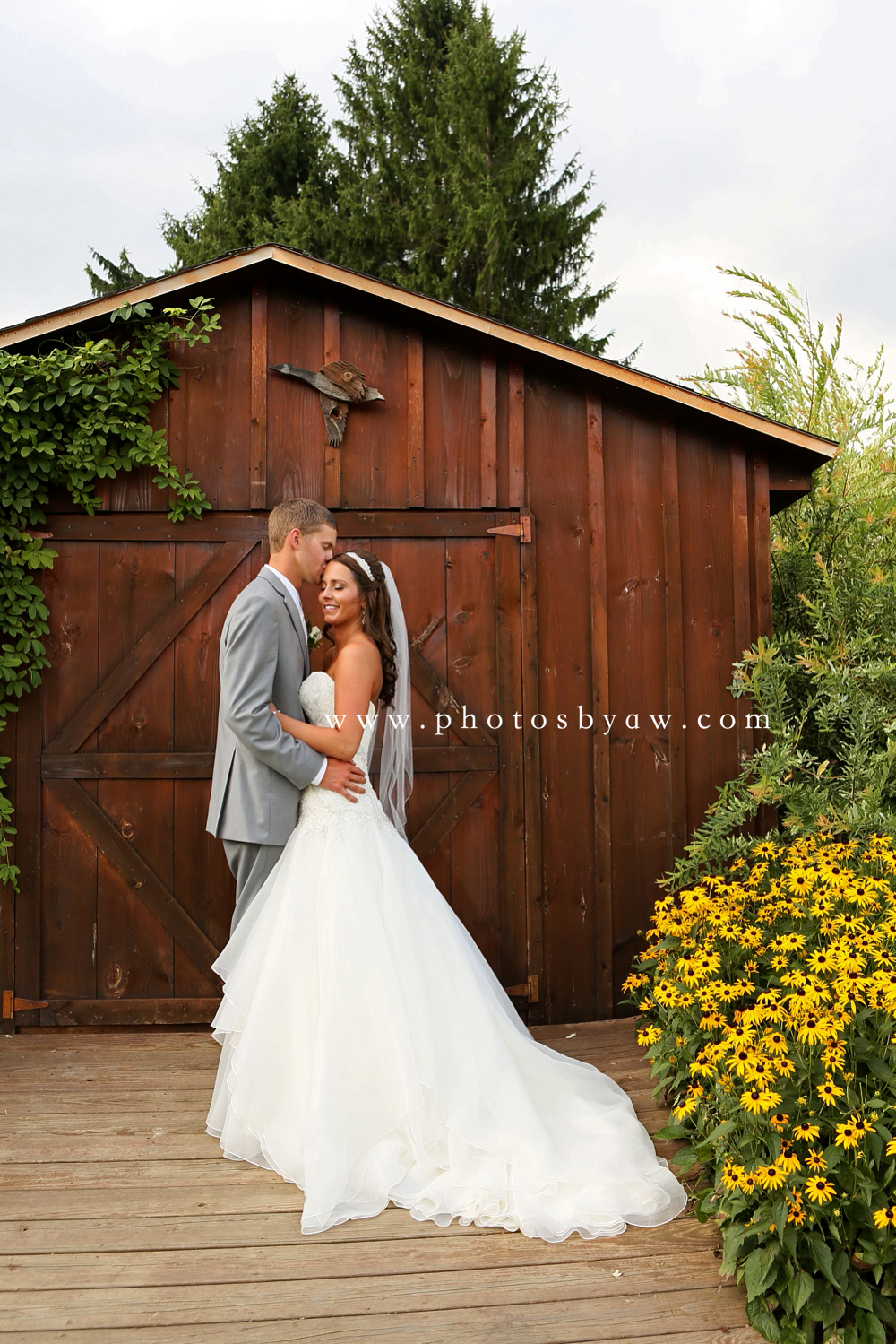 rustic barn wedding pennsylvania