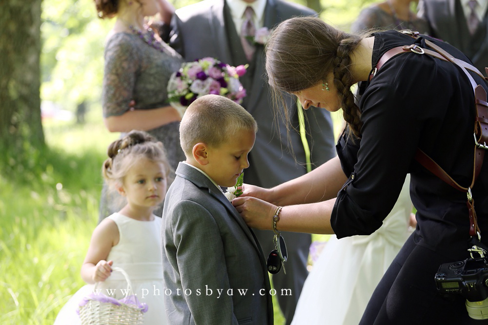 photographer and ring bearer