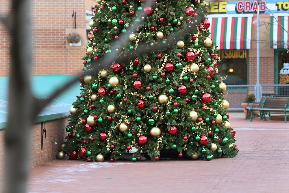 pittsburgh station square christmas