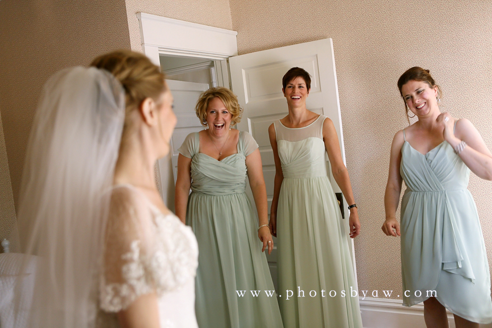 bridesmaid_reaction_photo