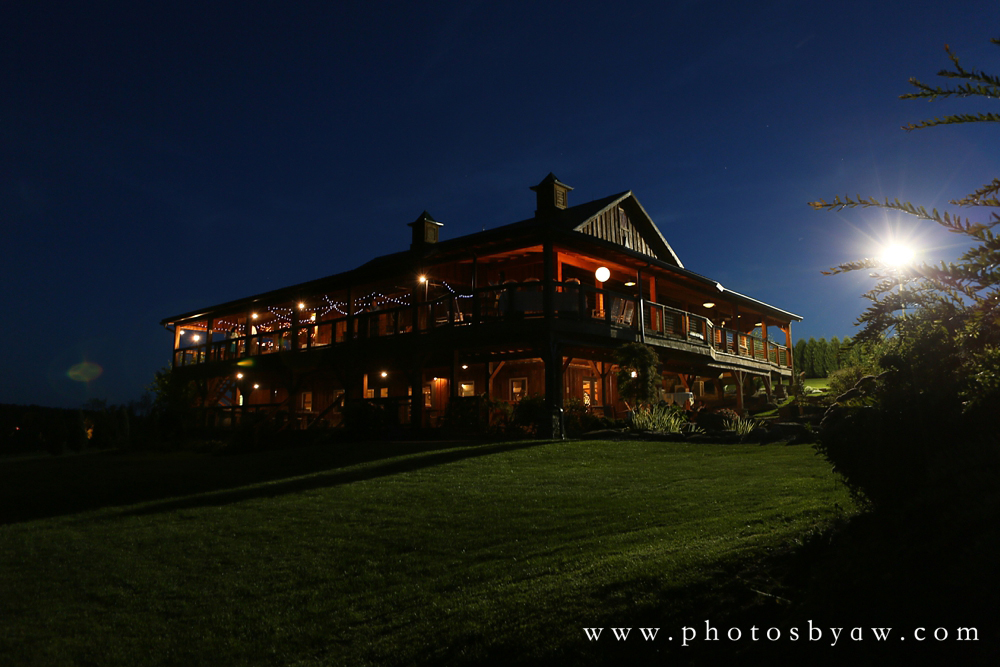 lingrow_farm_barn_night